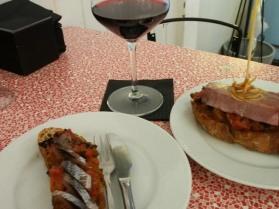 Baskische Tapas auf Brot