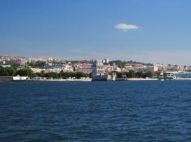 Auf dem Tejo kurz vor dem Zentrum von Lissabon