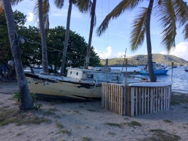 DIE Bar in Trellis Bay